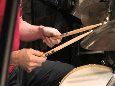 Tips Cara Memegang Stick Drum untuk Pemula